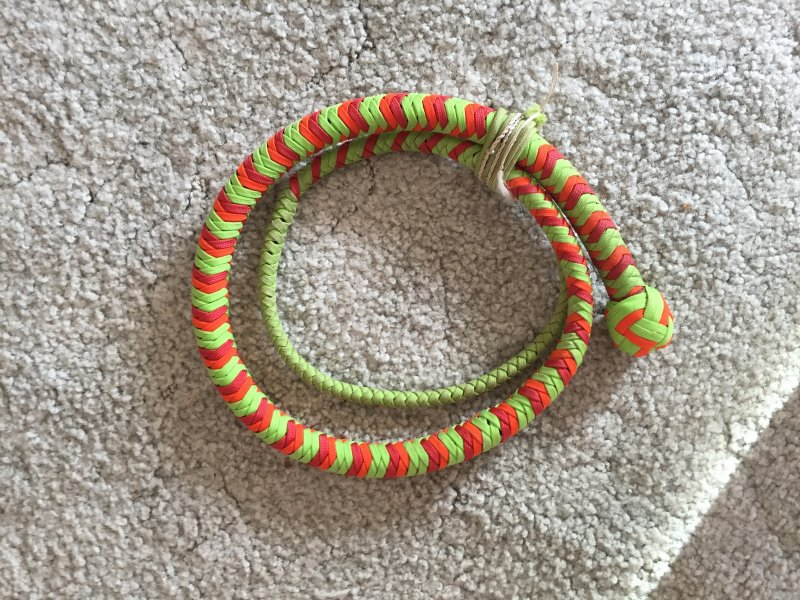 how to make a paracord whip