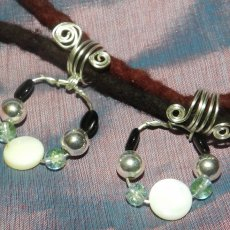Mother of Pearl and Glass Dread Jewelry Set on Silver