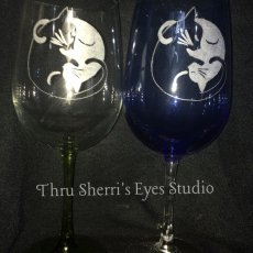 Yin-yang cat wine glass