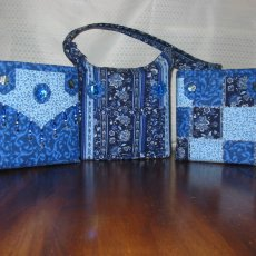 Blue Flower Print 3-in-1 Quilted Bag Set