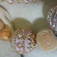 JJ Baubles and Bling Necklace/Champagne & Pink