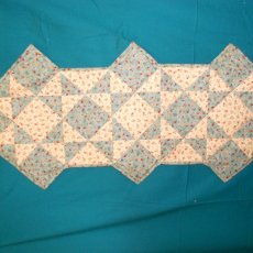 OHIO STAR BLUE & BEIGE QUILTED TABLERUNNER