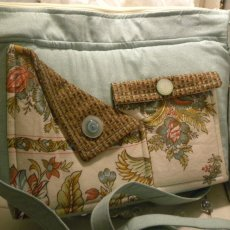AQUA VINTAGE - Pockets, Pockets, Pockets, Handbag, inner pockets, outer pockets, zipper closure,
