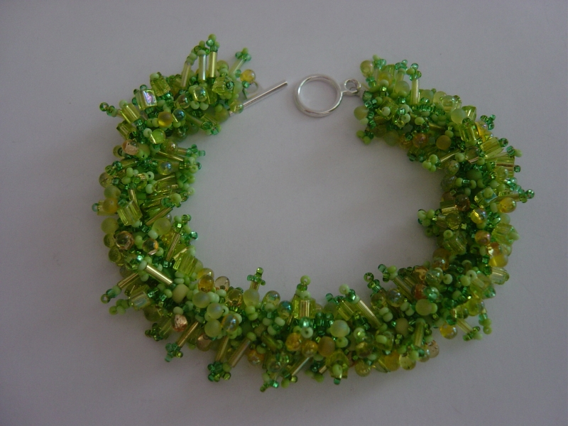 Spring leaves beaded bracelet kit claire hendrickson for Hendrickson s fine jewelry