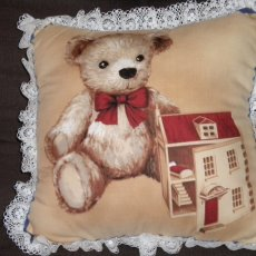 Teddy Bear and Dollhouse/lace trim