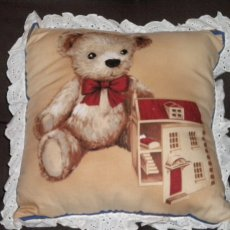 Teddy Bear and Dollhouse/eyelet trim