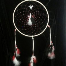 red and white 10 in. dream catcher with 9 in tail