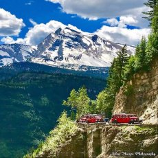 Red Jammer Buses & Heaven's Peak in Glacier Ntl. Park