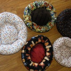 Small Donut Pet Bed