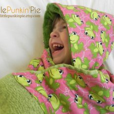 Pink and Green Frog Hooded Towel
