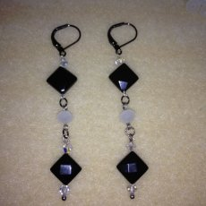 Dangles Onyx earrings with Swarovski cristals